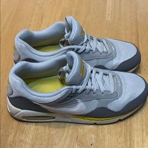 Nike air Max LiveStrong Men size 10